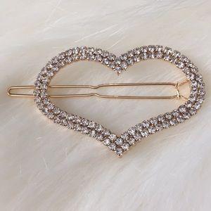 Rhinestone Heart shaped Hair Clip NWT